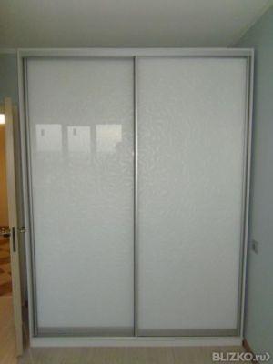 Шкаф-купе 2 створчатый створки-матовое стекло с разводами от.