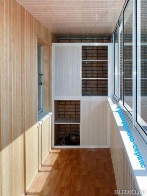 Установка книжных полок на балкон от компании ооо грандокно-.